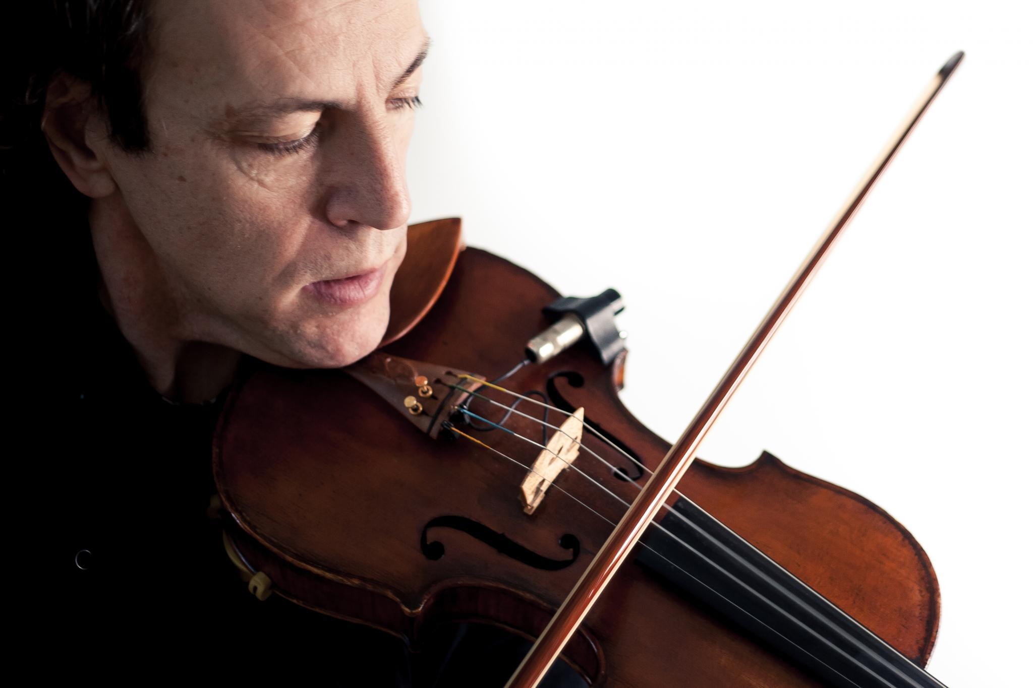 Stefano Sicolo spielt Violine